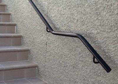 Tubular handrail - H12