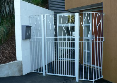 Security Gate with Post and Panels - GD5