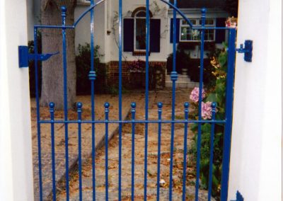Single Gate Curved with spearheads - GS24