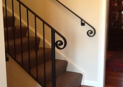Handrail profile bar with scroll - H6