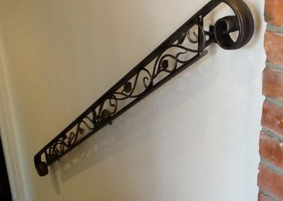 Handrail profile bar with vines - H11