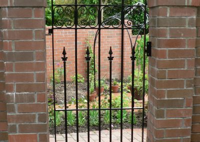 Single Gate Curved top with Spearheads - GS15