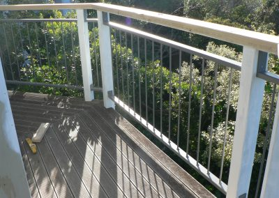 Single Baluster with Wooden Handrail - OB7