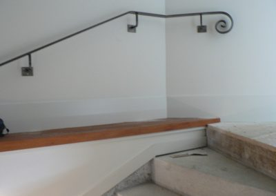 Handrail profile bar with scroll - H22