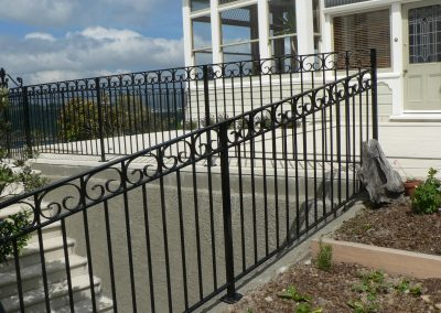 C Scroll Balustrade - OB16